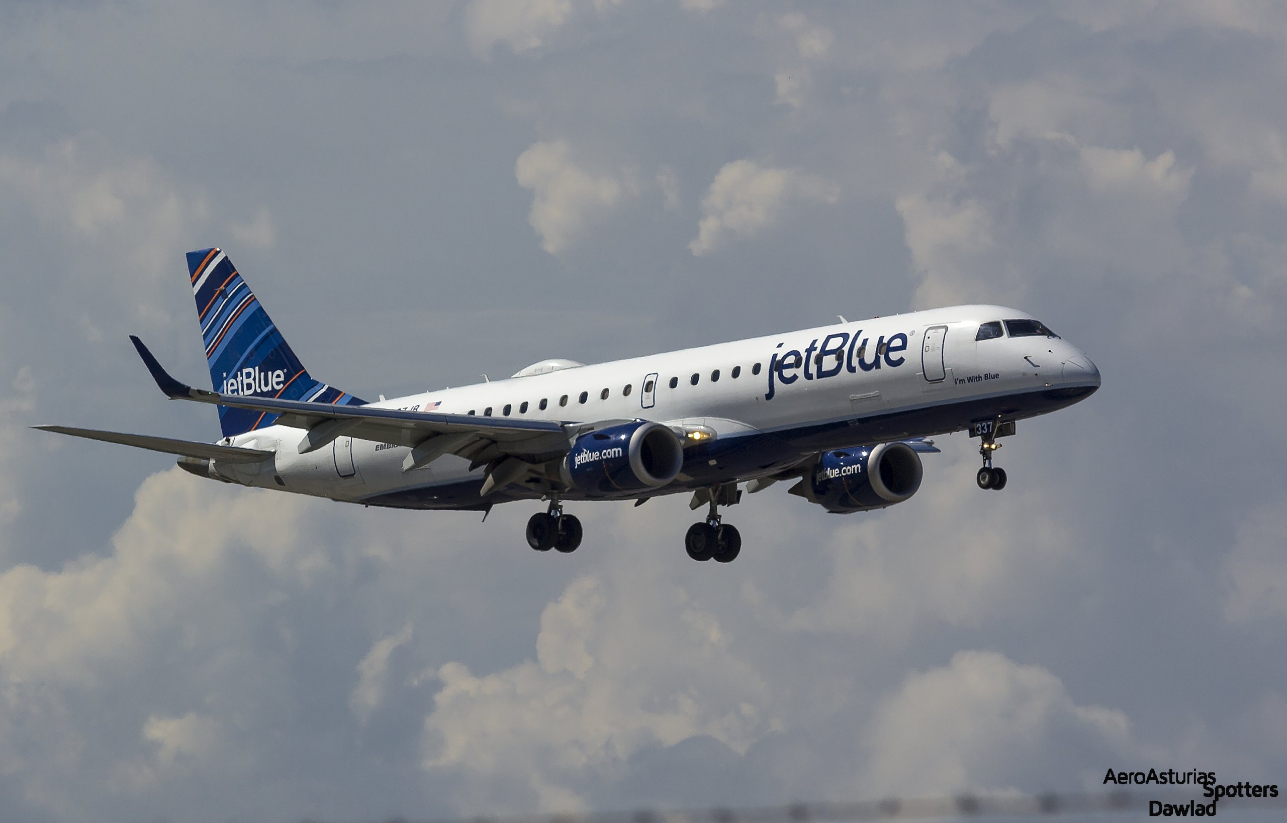 JetBlue Aircraft Landing