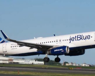 jetBlue Aircraft Take Off Featured