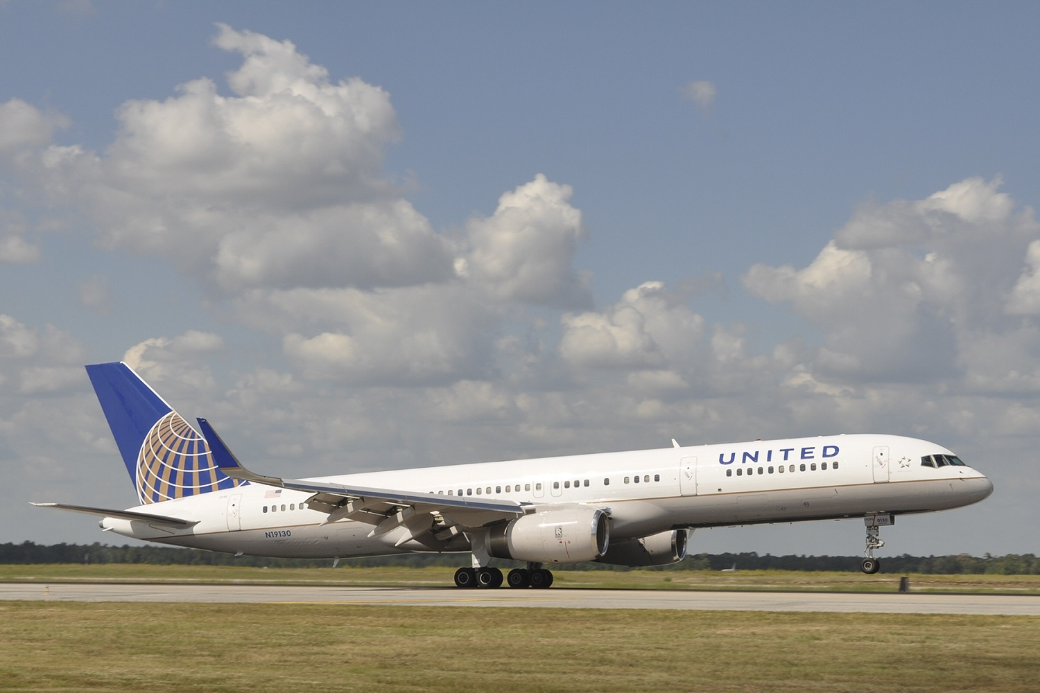 United P.S. 757 Takeoff