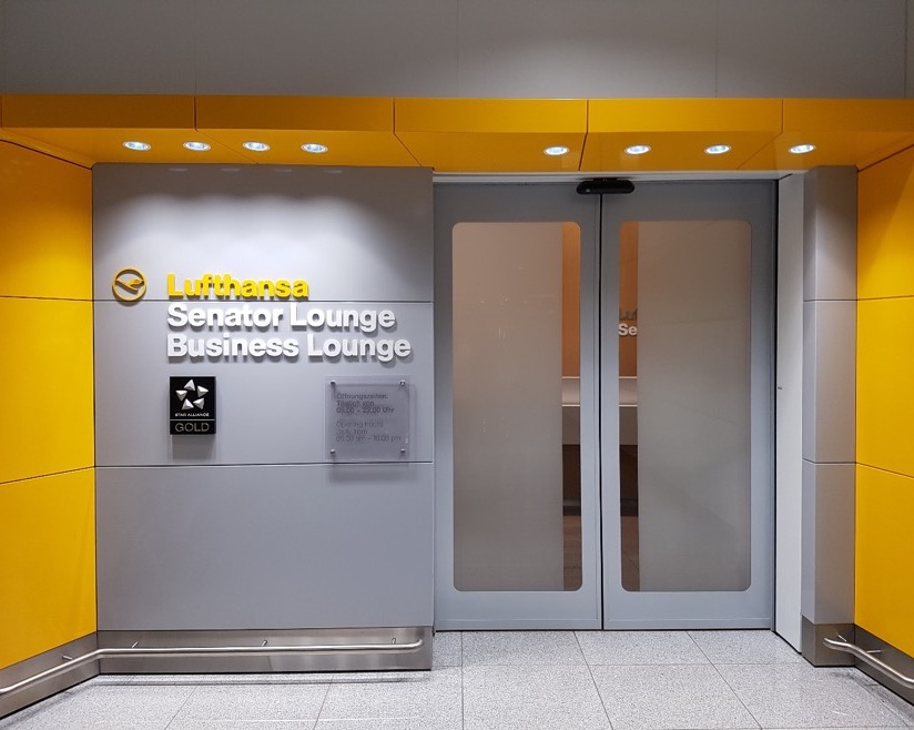 Lufthansa Lounge Entrance