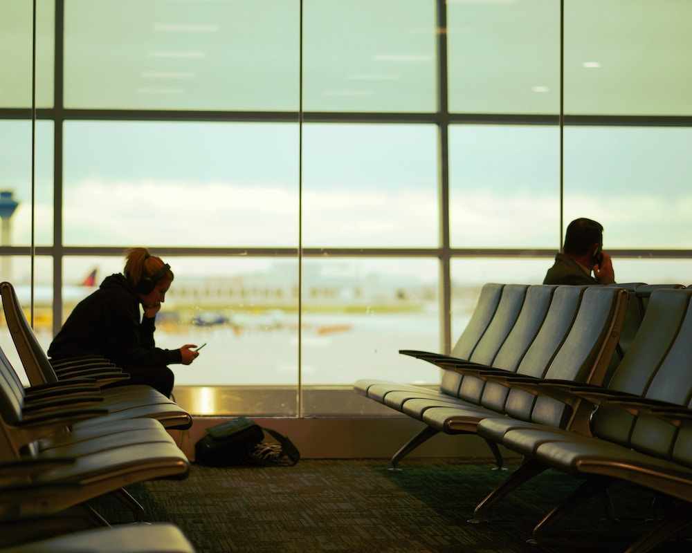 airport-gate-lounge