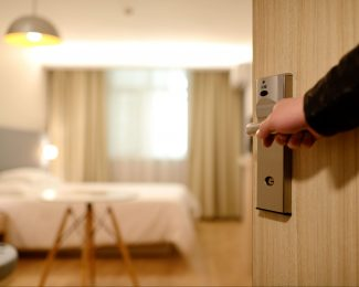 Featured_hotelroom